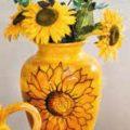 vase sunflowers